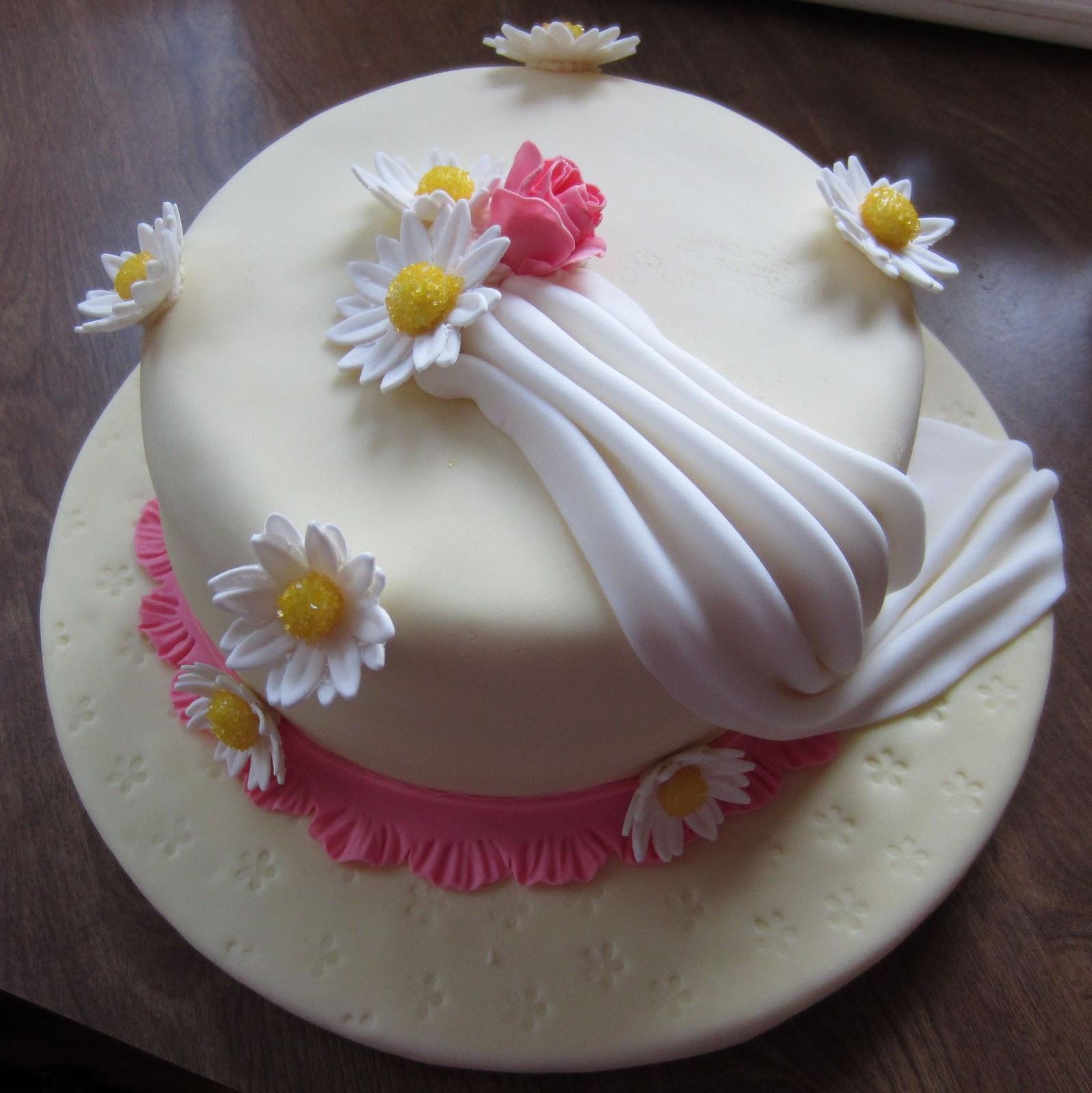 Wilton Cake Fondant Class : Rhapsody of Cacophony: Wilton Course - Final Cake Fondant ...