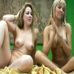 Duas loiras gostosas dando o cu pro sortudo - http://videosamadoresdenovinhas.com