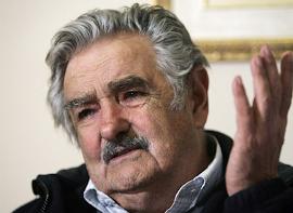 Mujica não vai ao Vaticano