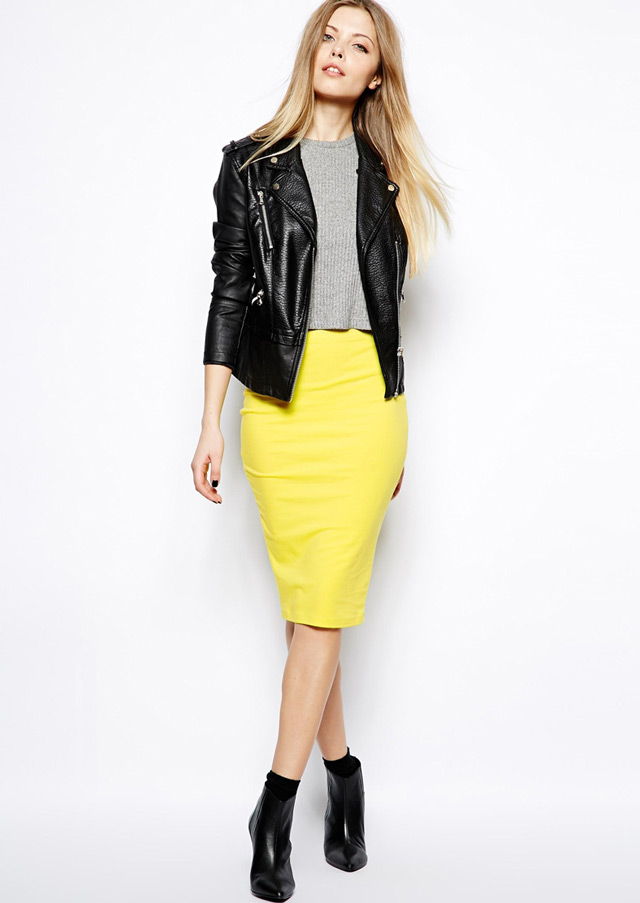 How to wear midi skirt and ankle boots, casual #workwear outfit idea #asos