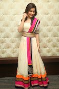 Gorgeous Heroine Raashi kanna photos-thumbnail-20