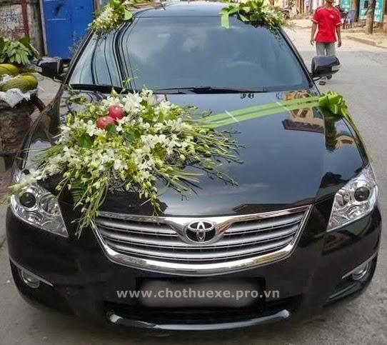 Cho thuê xe cưới Camry hạng sang 1