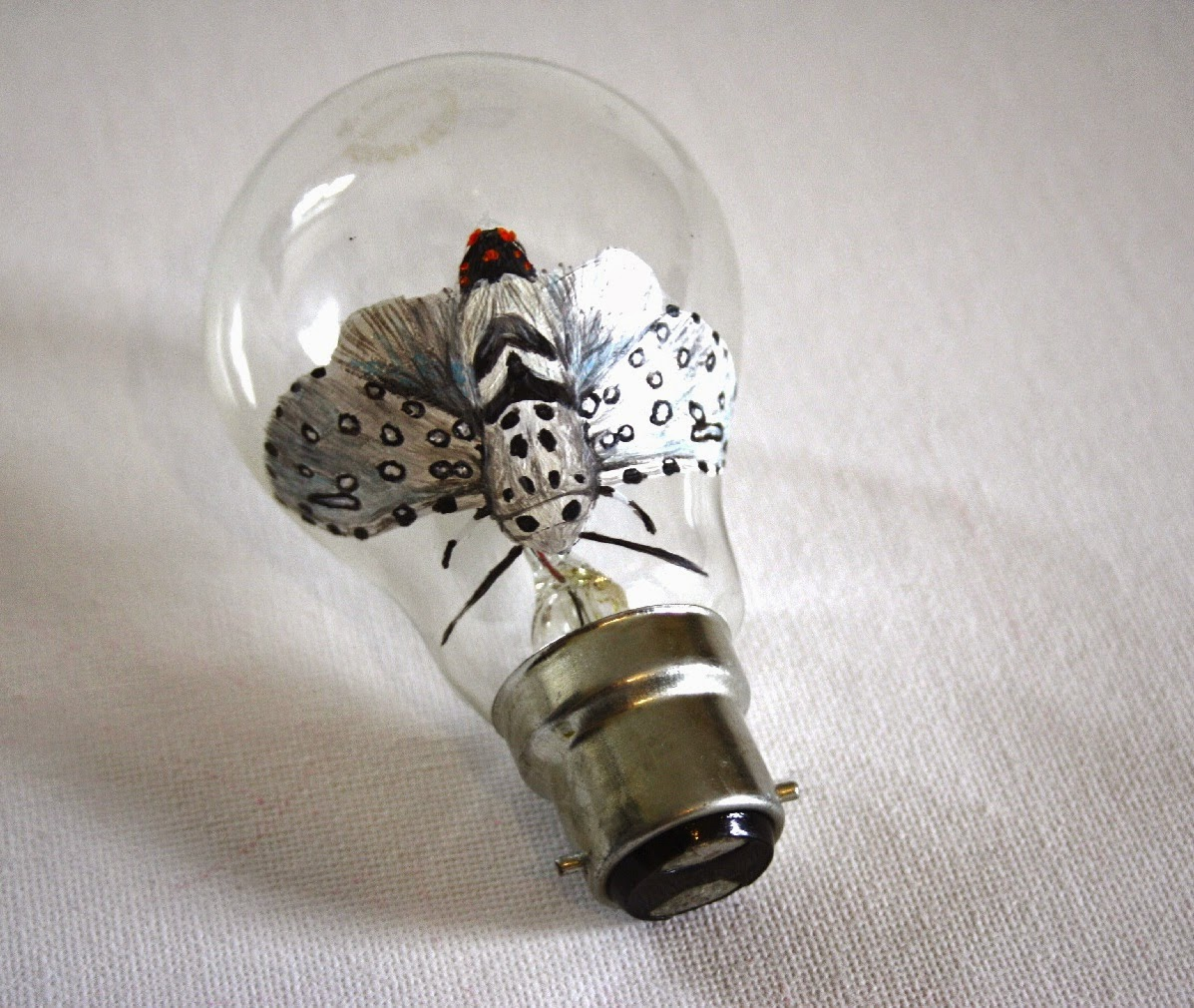 Light Bulb Artwork Ideas