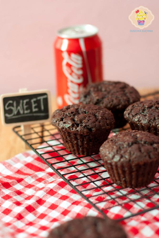 muffinki coca cola, muffinki na coca coli, muffinki coca cola przepis, przepis na muffinki z coca colą