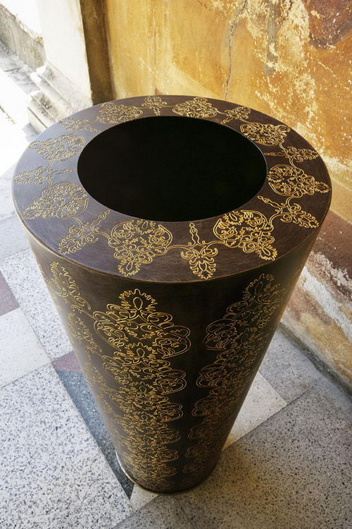 Damasco the Vase by De Castelli Perspective