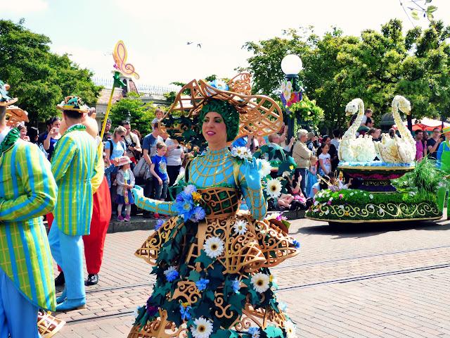 danseuse robe en fleurs