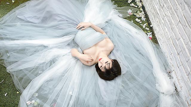 Mới đây, Linh Miu tái xuất trong bộ ảnh cô dâu đẹp hút hồn.