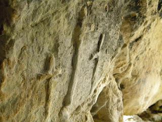 Croci risparmiate nella roccia