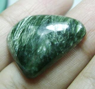 Batu Permata Seraphinite / Bulu Macan Ijo