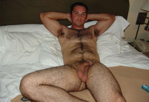 Real Men Nude: Sexy Naked Hairy Men: realmennude.blogspot.com/2013/09/sexy-naked-hairy-men.html