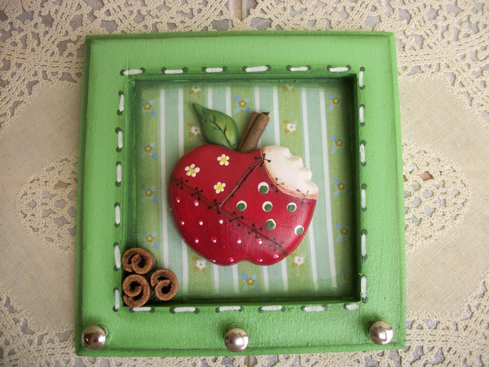 Arte e Artesanato: Porta chaves com aplicação de biscuit #A42735 1600x1200