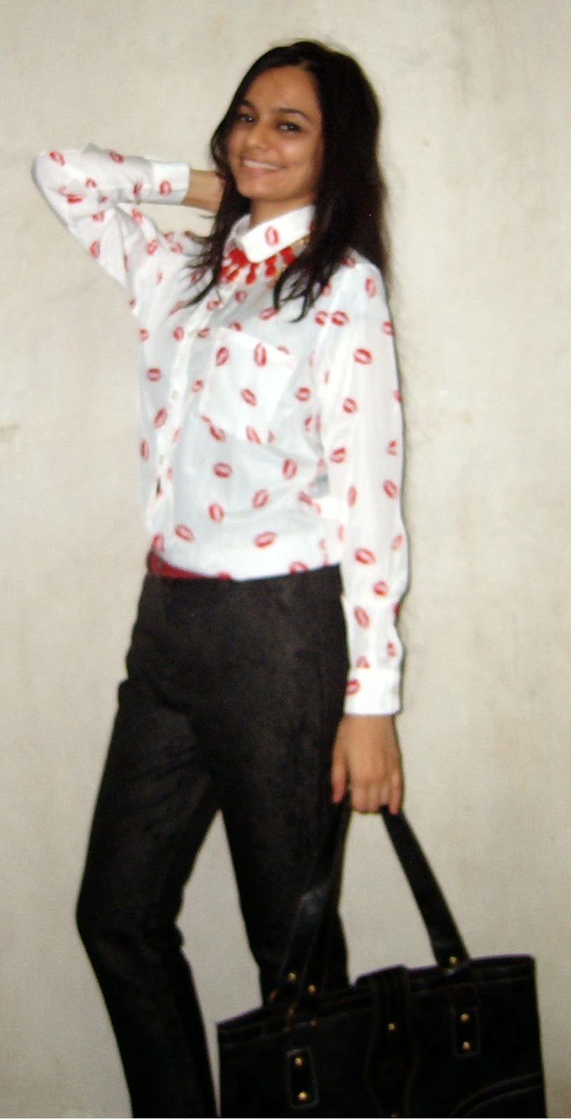 indian fashion blogger, mumbai fashion blogger, kiss, lipstick print, statement shirts