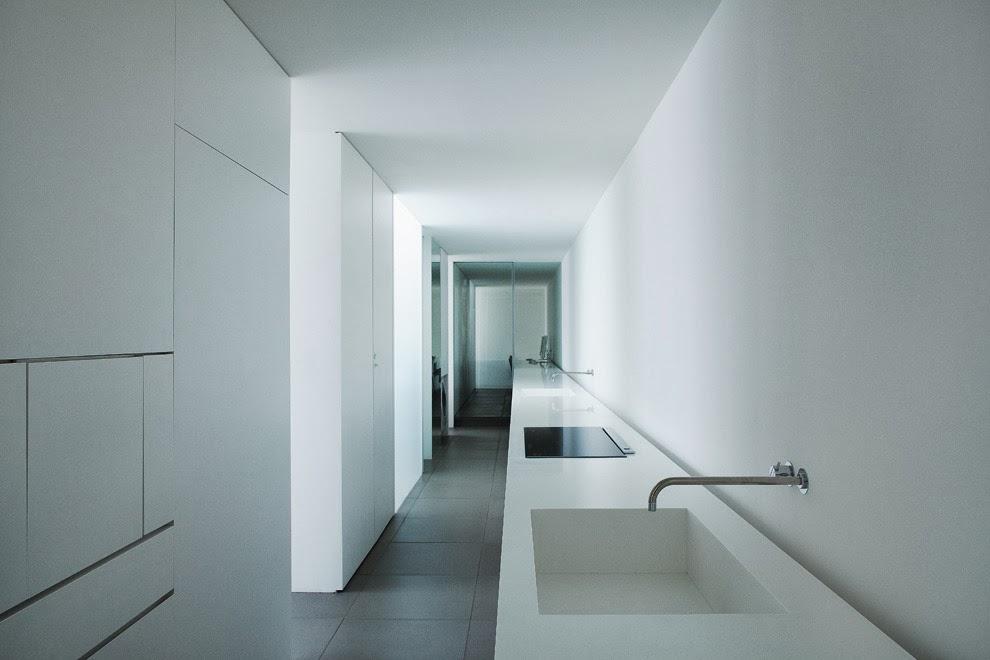 mi casa minimalist house en okinawa