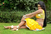 Item Girl Nisha hot photos-thumbnail-13