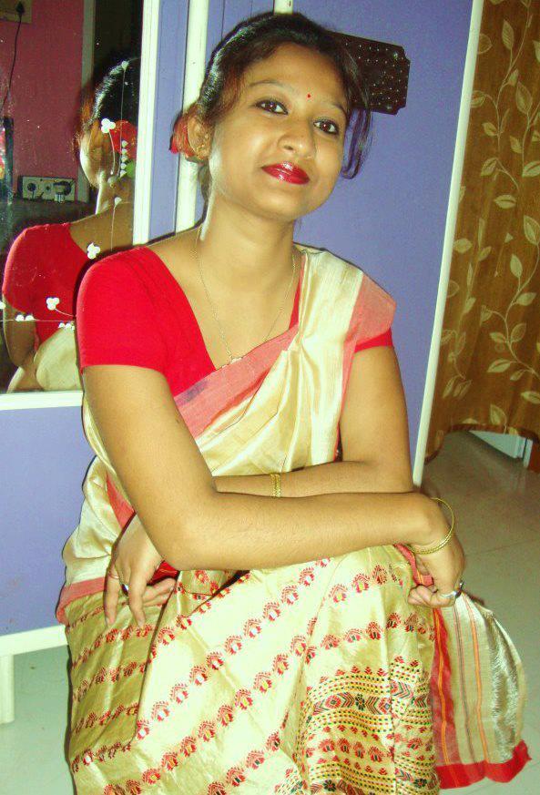 assamese girl changing dress pic