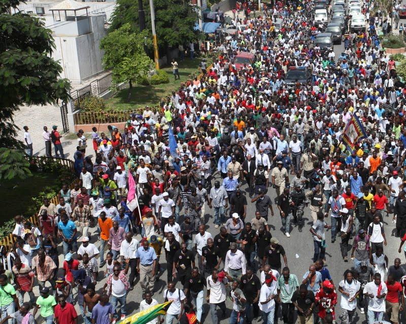 Le r cit r seau citadelle photos le pr sident ha tien michel martelly accueilli ce - Manifestation a port au prince aujourd hui ...