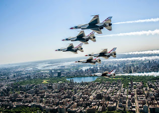 THE THUNDERBIRDS FLY OVER CENTRAL PARTK