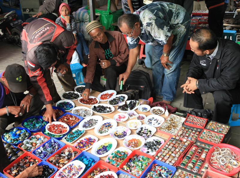 25 Best Markets and Shopping Streets to Visit in Jakarta ...