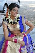 Manisha singh new sizzling pics-thumbnail-8