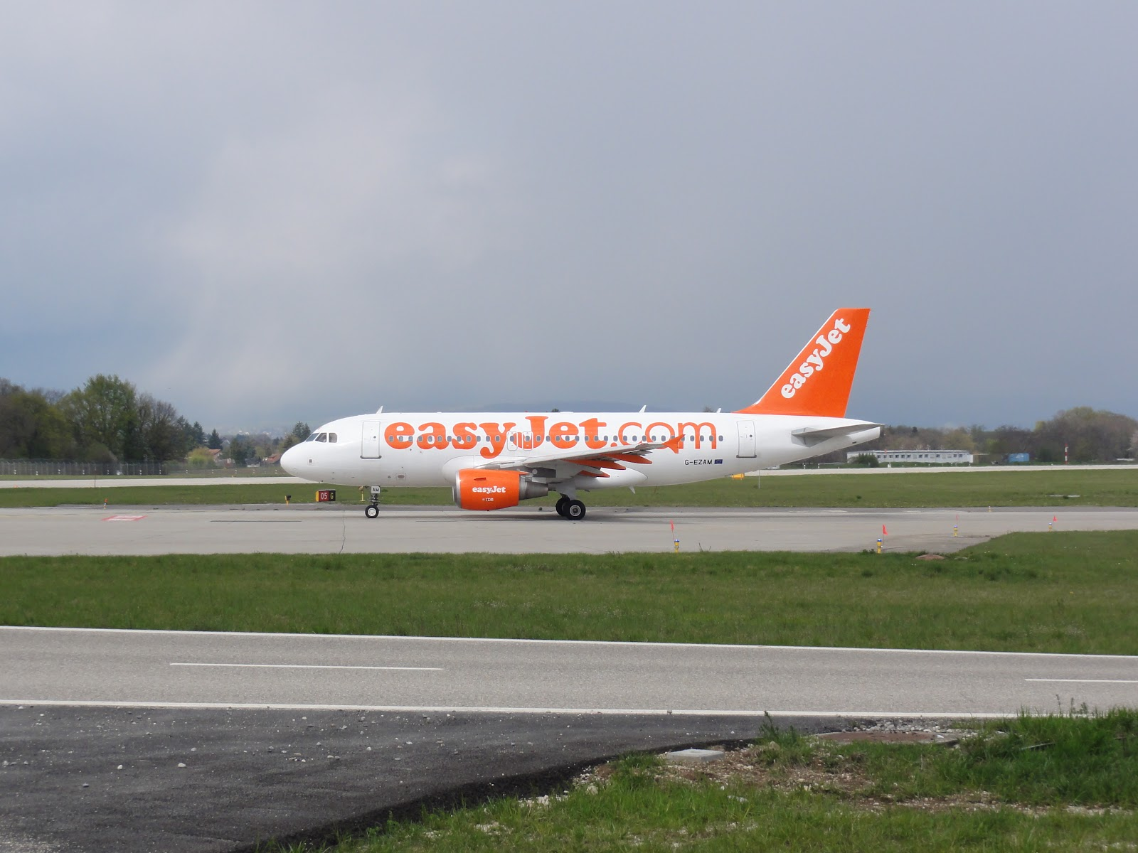 4ps of easyjet A quick scan of the ezy w18/19 programme as released today the principal change compared with w17/18 is that prg (4 pw) and mjv (2 pw)are retained into the winter period.