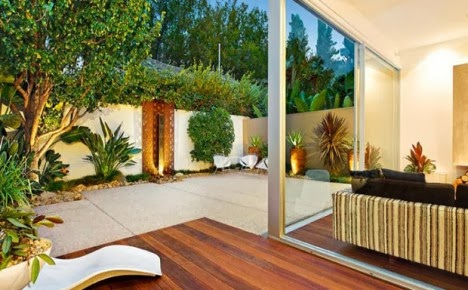 14 แบบ จัดสวนหลังบ้าน & มุมนั่งเล่น