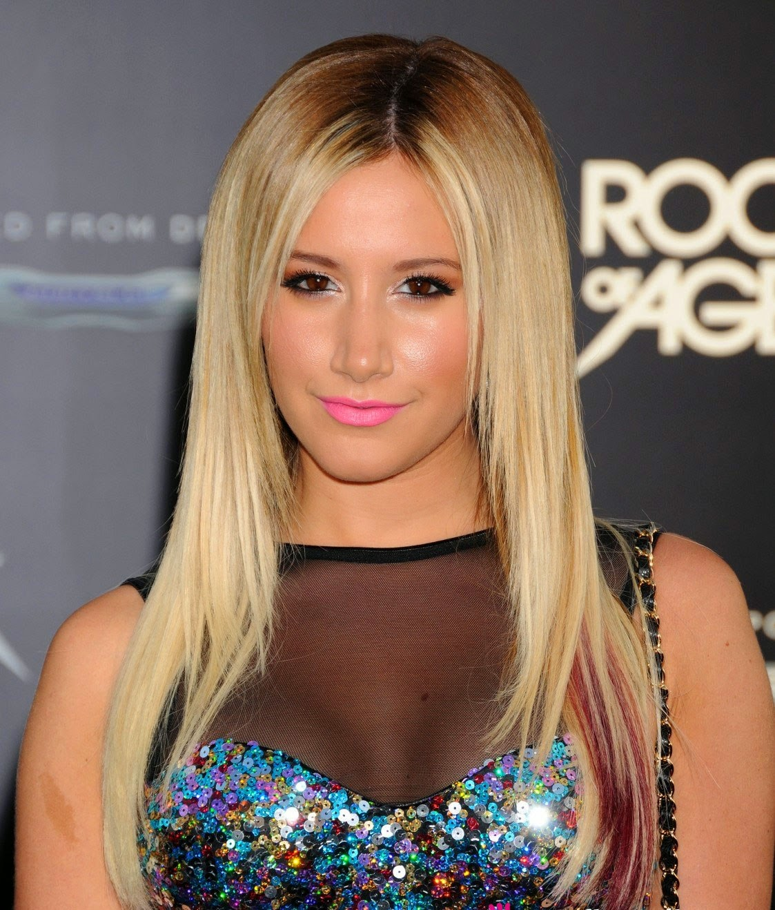 Popsinger Ashley Tisdale hot Images