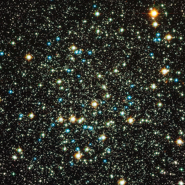 Low-concentration Globular Cluster NGC 288 as seen by Hubble