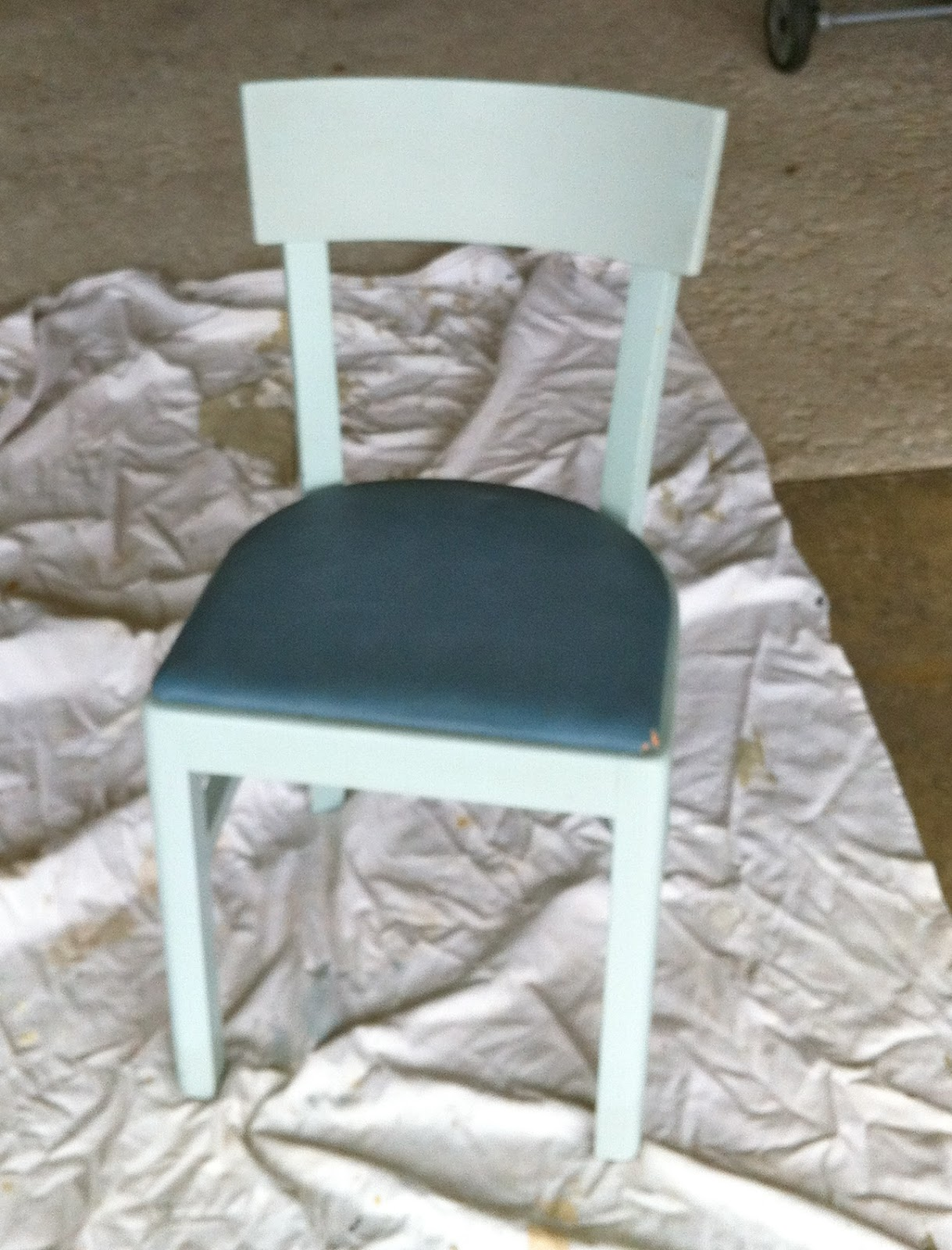 In The Hot Seat: Painting and Recovering Old Chairs | Home Everyday