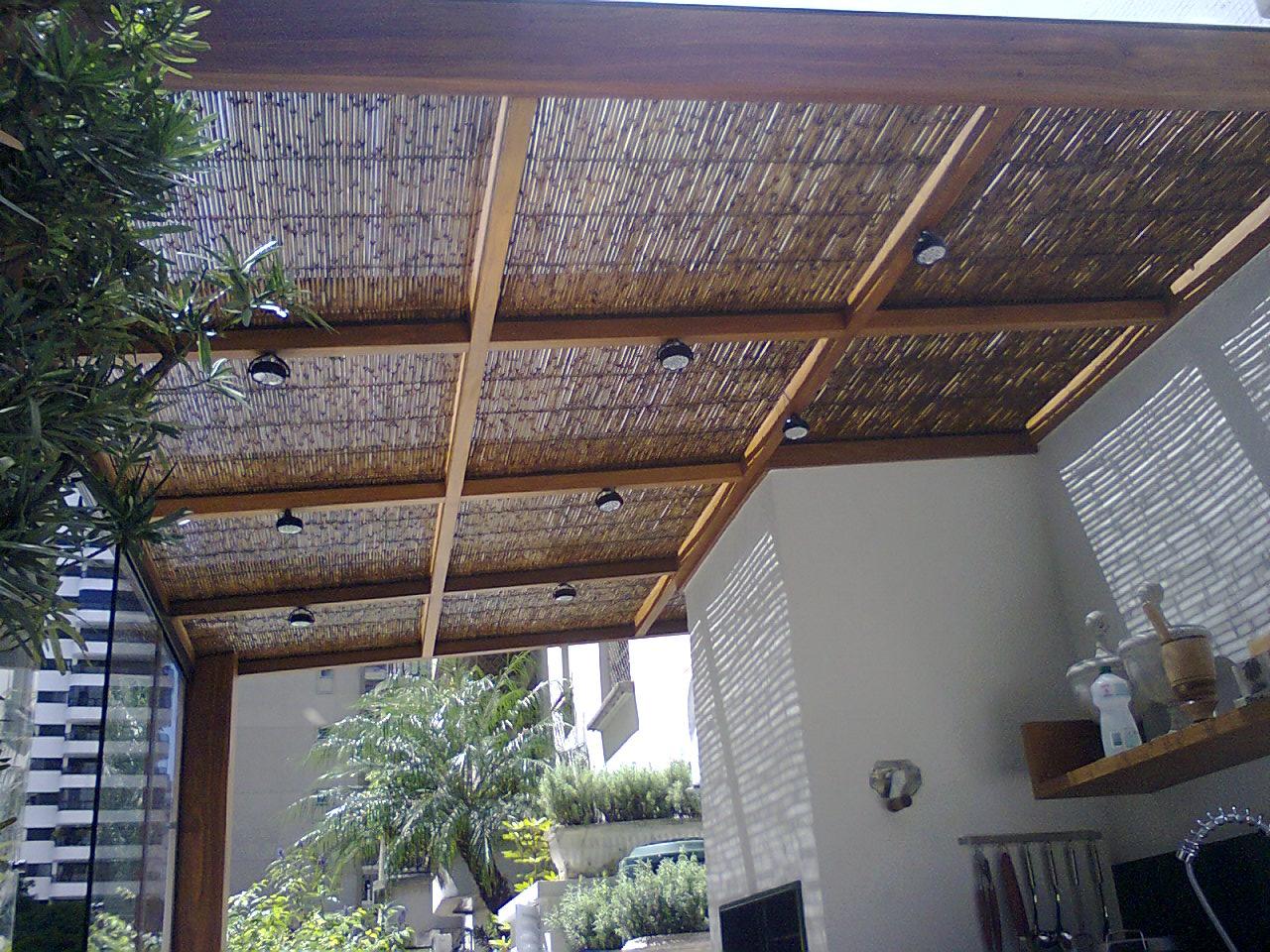 madeira cumarú com vidros sobrepostos e tela de palha para #60483D 1280x960