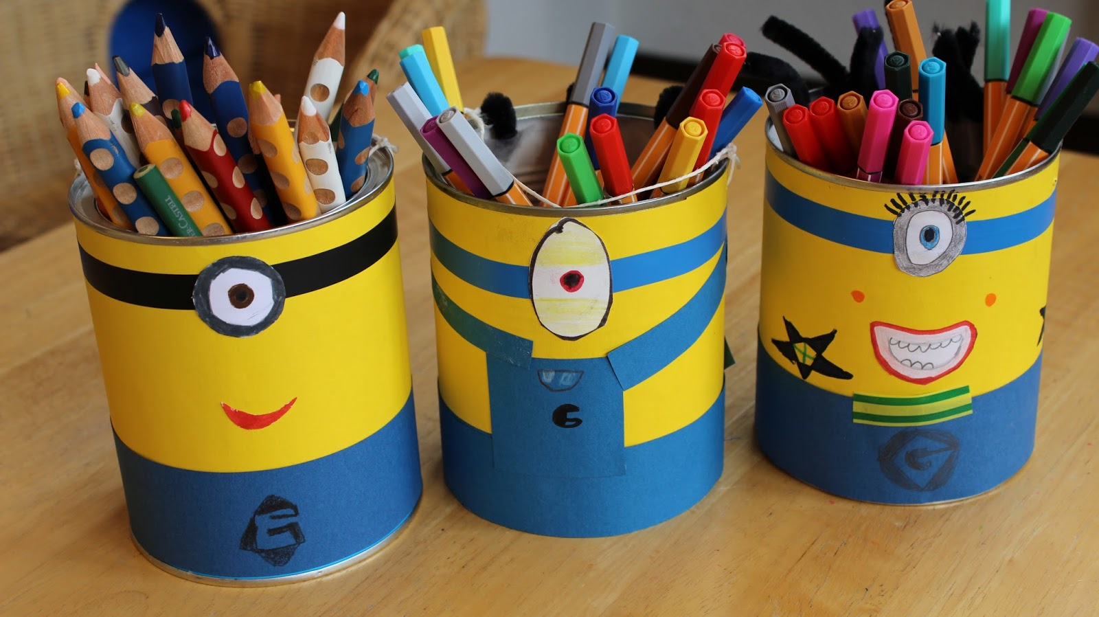 klassenkunst minion stiftehalter. Black Bedroom Furniture Sets. Home Design Ideas