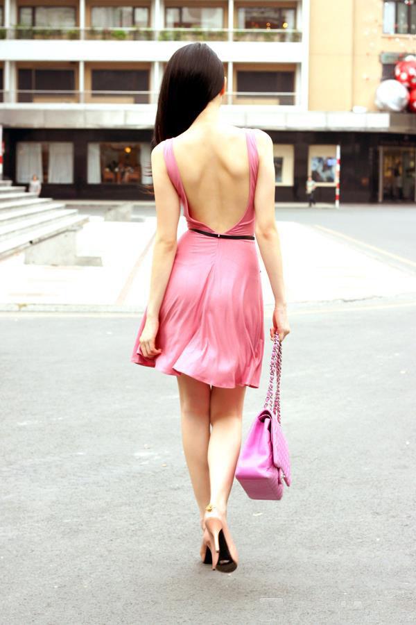 ảnh đẹp Ngọc trinh với đầm hồng vô cùng sexy 11