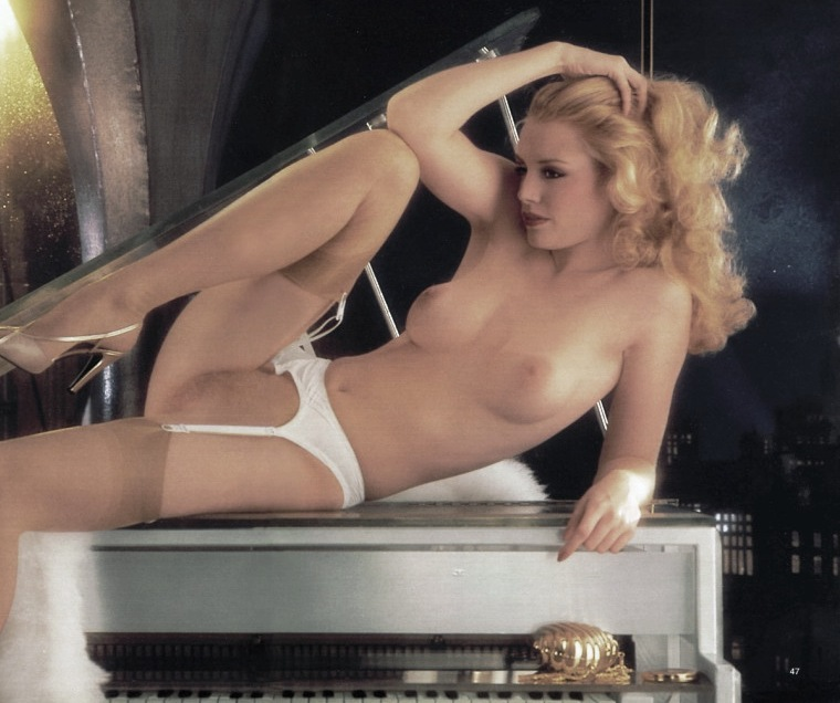 young shannon tweed naked
