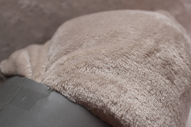 Dobbies blanket throw grey beige