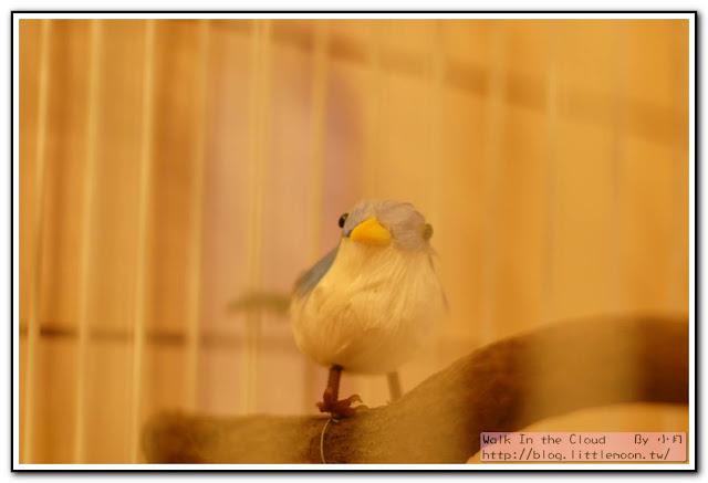 洗手間旁的小鳥裝飾