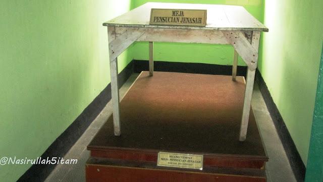 Meja untuk jenasah