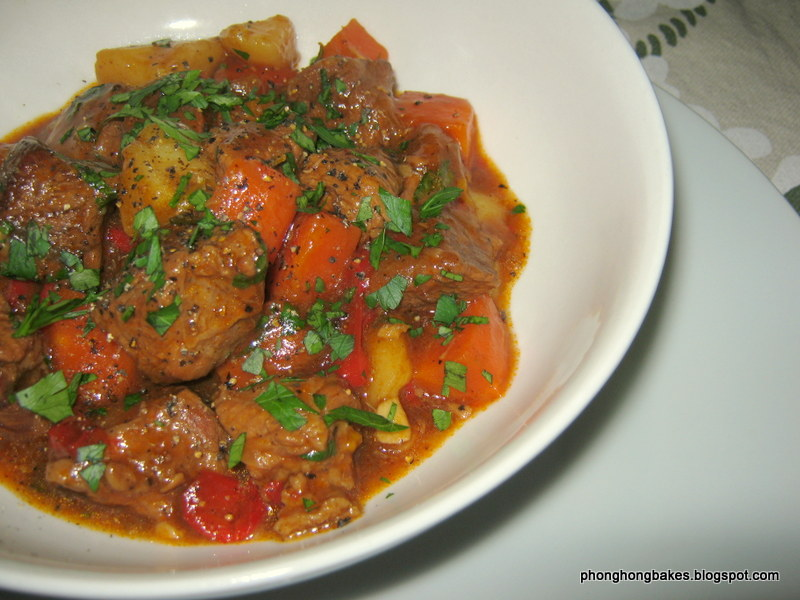 Phong Hong Bakes and Cooks!: Sunday Night Stew (Ree Drummond)