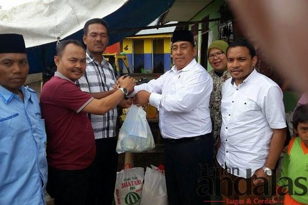 DPP Pemuda dan Remaja Masjid Indonesia Menyerahkan Bantuan ke Pengungsi Sinabung