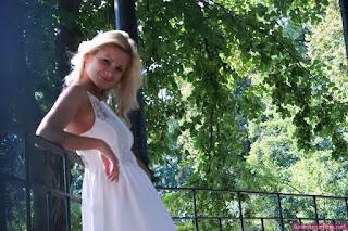 Twerking blondes - rs-1_%252836%2529-718225.jpg