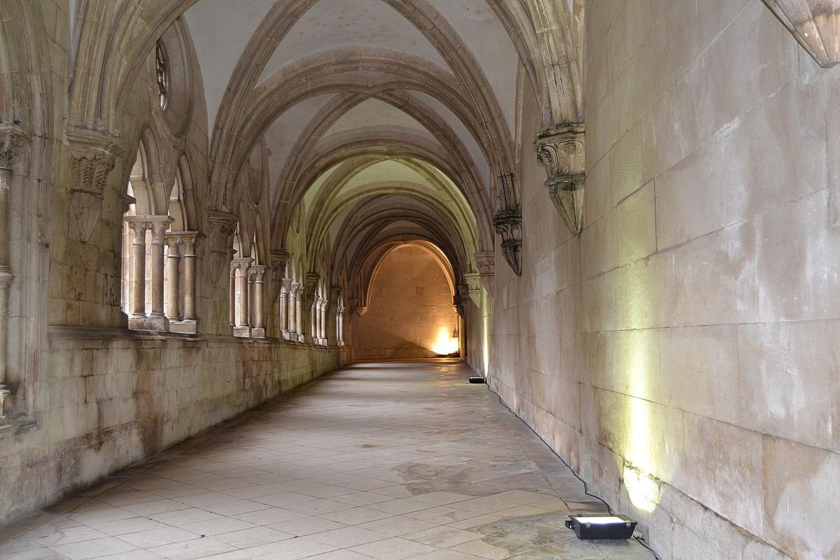монастыри Португалии