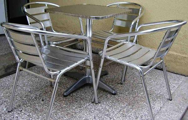 Mesas de exterior for Muebles exterior aluminio