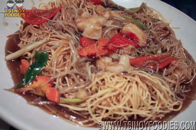 crispy yelow noodle seafood