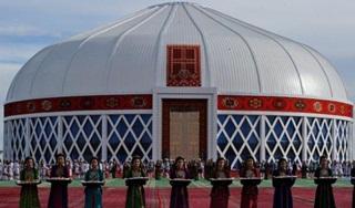 Rekor Dunia, Paduan Suara Presiden Turkmenistan dan 4 Ribu Orang