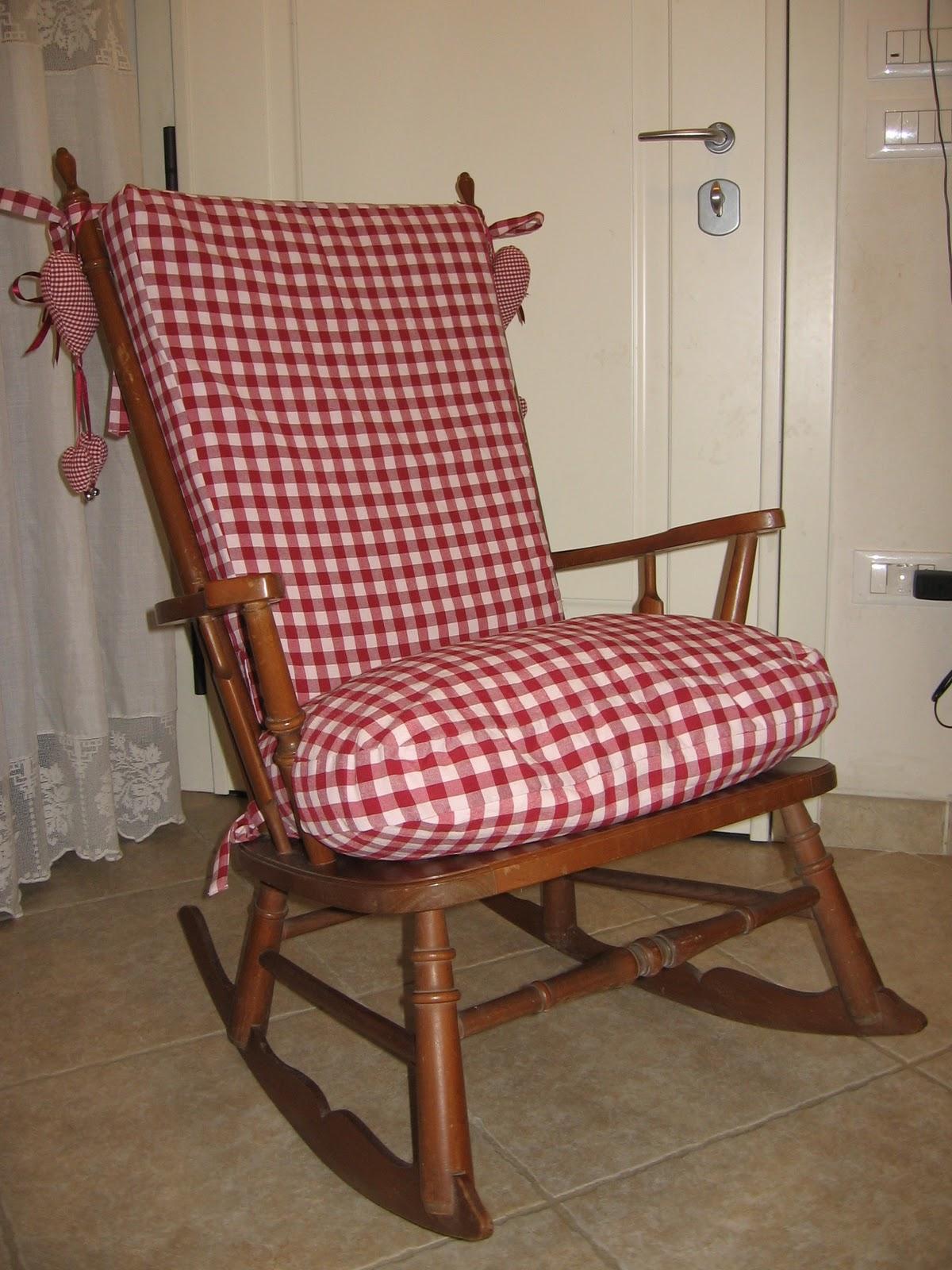 Casa francesca un nuovo vestito per la mia sedia a dondolo - La sedia a dondolo ...