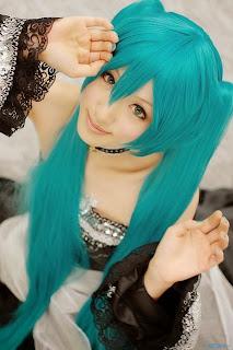 Saya cosplay as Vocaloid Hatsune Miku Cantarella