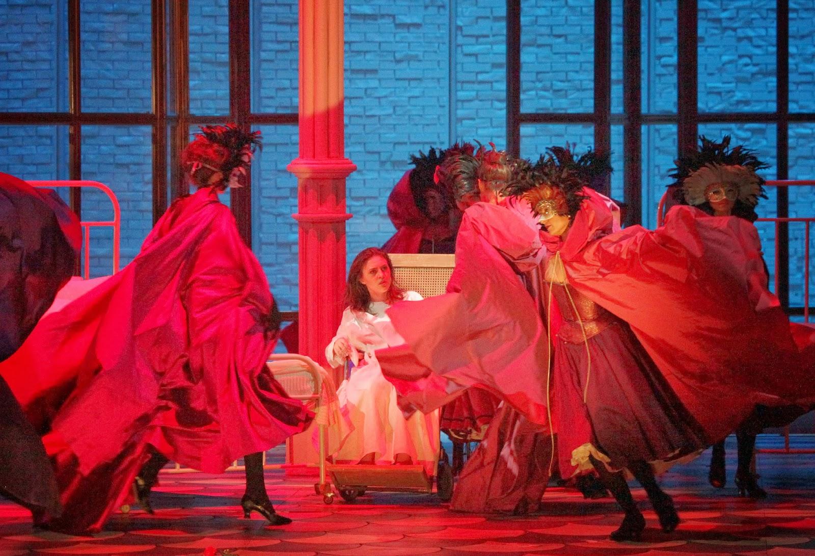 Почему называется опера травиата