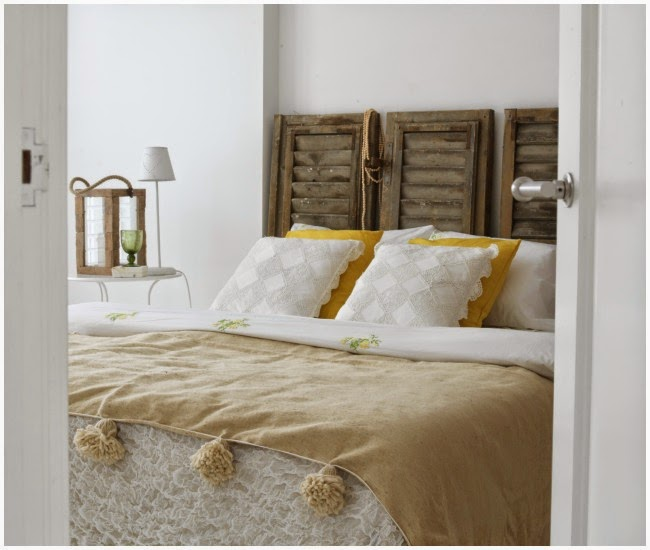 Decoraci n f cil madera y textiles primaverales para decorar for Puertas recicladas