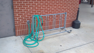 bicycle rack that is not attached to the ground