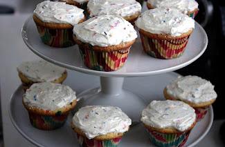 Vanilla Funfetti Cupcakes with Vanilla Buttercream Frosting