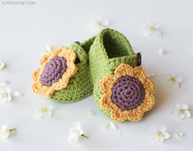 http://1.bp.blogspot.com/-M1ubSoOOGAI/Vgni7nHU6eI/AAAAAAAAZE4/2LDw4od1YzY/s640/Sunflower%2BBaby%2BBooties%2BCrochet%2BPattern%2B5.jpg
