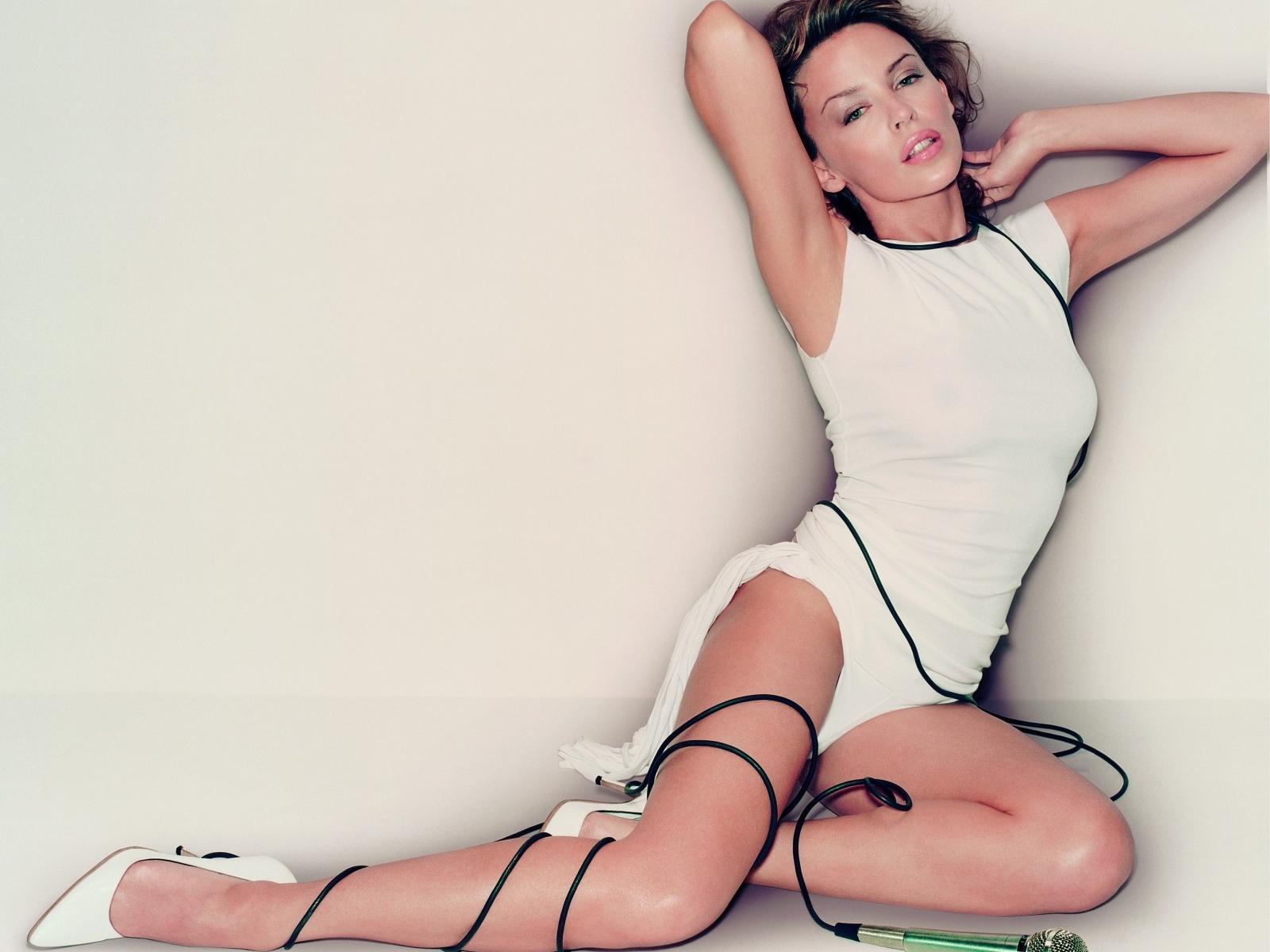 http://1.bp.blogspot.com/-M2O-Kby7Bkg/T8YNuHKNy6I/AAAAAAAAAN8/RWLyll6WLMk/s1600/Kylie-Minogue-Singer.jpg